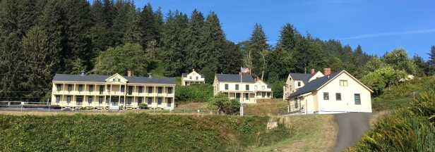 lighthouses and forts in cape disappointment & washington - fort columbia