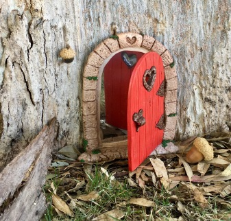 I managed to finish making some fairy doors.